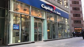 Branche du capital un dans NYC banque de vidéos