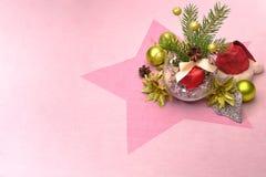 Branches et boules impeccables de Noël Image libre de droits
