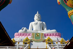 Branco buddha da arquitetura Fotos de Stock
