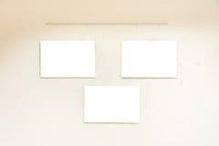 Branco contemporâneo moderno pequeno de Art Museum Display Frames Blank fotos de stock