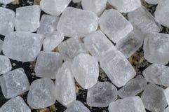 Branco cristalino dos doces de açúcar fotos de stock royalty free