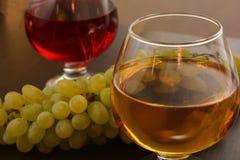 Branco e vinho tinto no vidro Imagem de Stock Royalty Free