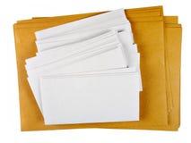 Branco em branco do DL e A4 envelopes, mailshot isolado Imagens de Stock Royalty Free