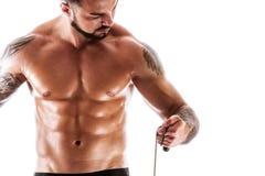 Branco excedente descamisado de levantamento modelo da aptidão muscular imagem de stock