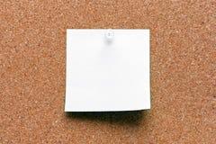 Branco quadrado vazio folha fixada Fotografia de Stock Royalty Free
