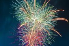 Brand arbetar på nya år Eve Over Adelaide CBD, södra Australien Arkivbild