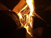 Brand bij nacht Stock Afbeeldingen