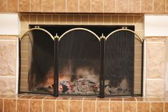 Brand bränner i den hem- spisen royaltyfria foton