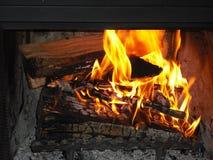 Brand in een open haard Stock Fotografie