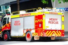 Brand en reddingsnsw vrachtwagenparkeren op de straat van Sydney de stad in stock foto's