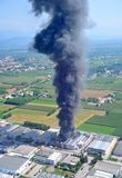 Brand förstörde en fabrik Royaltyfri Foto
