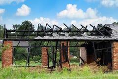 Brand gebrande schuur Stock Afbeelding
