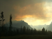 Brand i bergen Arkivbild