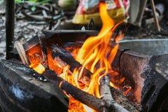 Brand i en ugn Arkivfoton