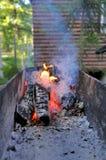 Brand op de barbecue Royalty-vrije Stock Foto's