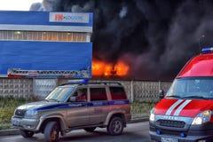 Brand på den industriella zonen Royaltyfria Bilder