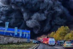 Brand på den industriella zonen Arkivbild