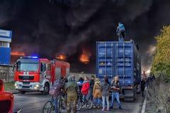 Brand på den industriella zonen Arkivbilder