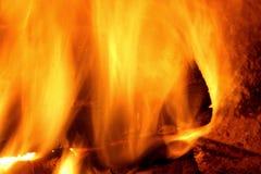 Brand in Uw open haard stock afbeeldingen
