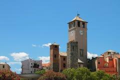 Brandale torn och medeltida torn italy savona Arkivbilder