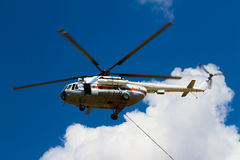 Brandbekämpninghelikopter Royaltyfria Foton