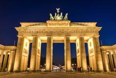 Brandenburg brama przy nocą iluminującą Obraz Royalty Free