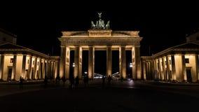 Brandenburg brama przy nocą w Berlin, kapitał Niemcy Fotografia Stock