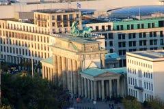 Brandenburg brama w Berlin przy wschodem słońca, Niemcy Obrazy Stock