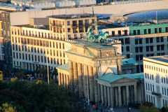 Brandenburg brama w Berlin przy wschodem słońca, Niemcy Zdjęcie Stock