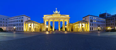 Brandenburg van het panorama poort stock afbeeldingen