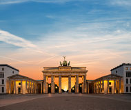 Brandenburger Tor Berlins, nachts lizenzfreie stockfotografie