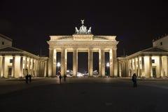 Brandenburger Tor bis zum Nacht Lizenzfreies Stockfoto