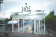 Brandenburger Tor Brandenburg bramy symbol na metro wiatrze Fotografia Royalty Free