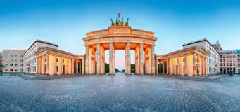 Brandenburger Tor (Brandenburg Gate) panorama, famous landmark i Royalty Free Stock Images