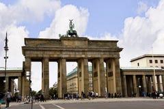 Brandenburger Tor ist Berlin-` s der meiste berühmte Markstein Ein Symbol von Berlin und von deutscher Abteilung während des kalt Lizenzfreies Stockfoto