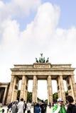 Brandenburger Tor ist Berlin-` s der meiste berühmte Markstein Ein Symbol von Berlin und von deutscher Abteilung während des kalt Lizenzfreie Stockfotografie