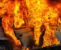 Brandende auto na ongeval Royalty-vrije Stock Foto
