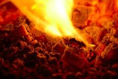 Brandende houtskool Stock Fotografie