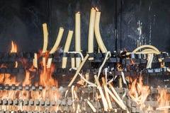 Brandende kaarsen in Fatima Stock Afbeelding