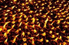 Brandende kaarsen in tempel Royalty-vrije Stock Foto's