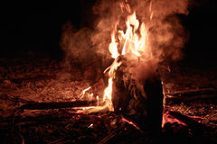 Brandende Kano Royalty-vrije Stock Afbeeldingen