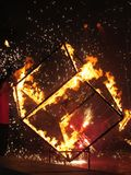 Brandende kubus Stock Foto