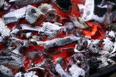 Brandende steenkolen stock fotografie