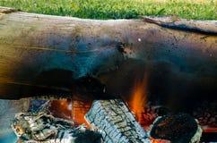 Brandende steenkolen van brand Stock Foto