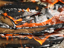 Brandende vlam van het kampvuur Stock Foto