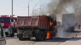 Brandende Vrachtwagen stock video