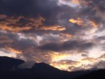 Brandende wolk Stock Foto's