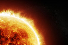 Brandende zon op een ruimte zwarte achtergrond Royalty-vrije Stock Afbeeldingen