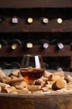 Brandewijn in een wijnkelder royalty-vrije stock foto