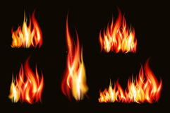 Brandflamman slår realistiskt som isoleras på svart bakgrundsvektorillustration Fotografering för Bildbyråer